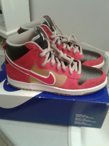 Nike Dunk High Pro SB metalic gold/sport red-blk