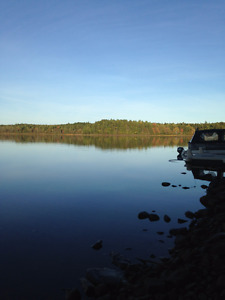 Lakefront Farmhouse 5 minutes from Mahone Bay