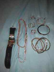 Fossil women's gold jewelry