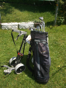11 Right Handed Golf Clubs, bag and Cart For Sale