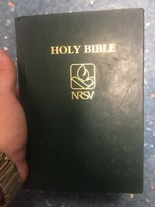 NRSV Holy bible  Kitchener / Waterloo Kitchener Area image 1