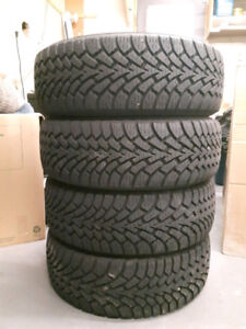 Set of 4 ALMOST NEW Goodyear Winter Tires 205 55r16