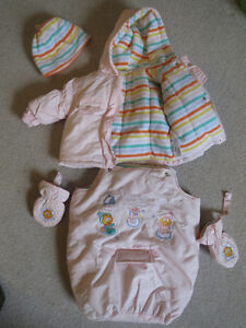Adorable Seasame Street snow suit size 6months + hat and mittens
