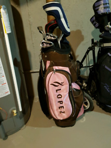 Ladies Righthand clubs and like new Lopez golfbag