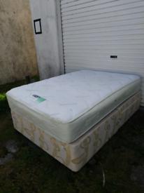 Divan bed 4ft6