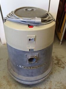 Commercial Electrolux vacuum cleaner need not be working Regina Regina Area image 5