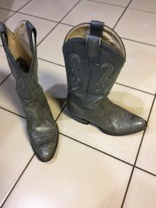 Montana cowboy boots size 9.5