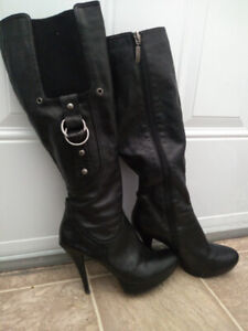 Black Guess boots - size 7 1/2