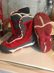 RIDE Men's Snowboard Boots for SALE.  [SIZE 9.5]