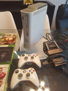Xbox 360 (with 2 controllers) + 12 games - EXCELLENT condition