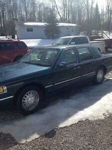 1997 Lincoln Town Car in Flawless Shape