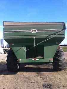 J&M 750 Grain Cart Regina Regina Area image 4