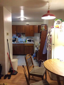 (all inclusive) walking distance to University of Windsor