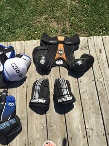 Asst junior hockey equipment Kawartha Lakes Peterborough Area image 5