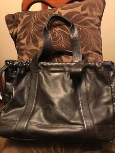 Authentic Longchamp Genuine Leather Purse (BRAND NEW)