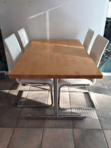 BUTCHER BLOCK KITCHEN TABLE & CHAIRS