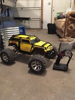 Traxxas summit 1:10 with charger