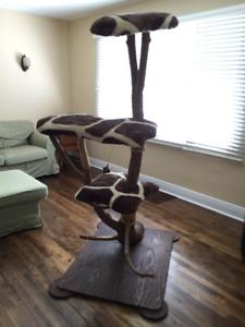 arbre a chat accessoires neufs et d 39 occasion pour animaux de compagnie qu bec kijiji. Black Bedroom Furniture Sets. Home Design Ideas