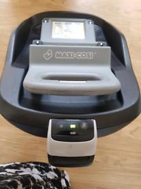 Maxi-Cosi Family Fix car seat base
