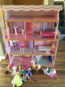 Barbie Playhouse Strathcona County Edmonton Area image 1