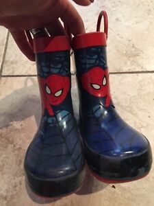 Toddler Spider-Man boots- size 6- EUC- $8