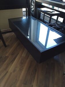 Coffee Table w Drawer