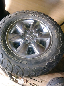 2009 GMC SIERRA SLT 18 in  STOCK RIMS