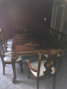 Kitchen table & 8 chairs $500