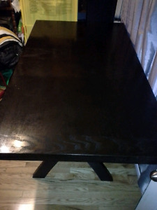 Beautiful Pub Table in Great Condition (Benefits SPCA)