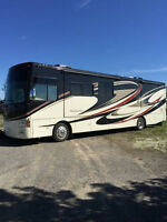 Four Winds Montecito Motorhome (Mint Condition with Bunks!!)