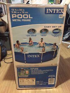 Pool frame missing blue liner
