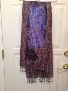 Ladies scarfe