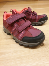 Kids warm walking shoes, size 2 UK/34 Eur