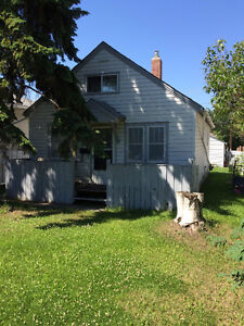 2 Bedroom House with Garage