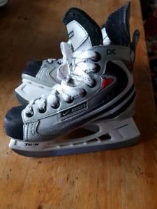 Kids Skates, Bauer Vapor IX, size Y13
