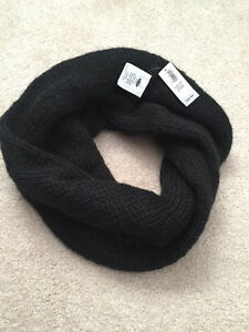 Brand New Thick Infinity Scarf Kitchener / Waterloo Kitchener Area image 1