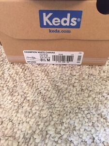 Women's Keds white shoes London Ontario image 2