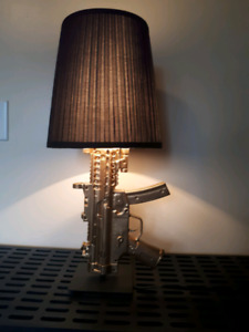 Customized gold mp5 lamp