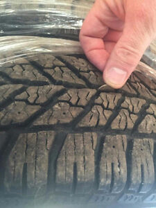 Good Year Ultragrip winter tires w/ rims 215/60/16 West Island Greater Montréal image 3