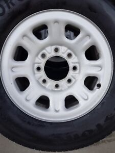 4 GMC/CHEVY WHEELS WITH NEW FIRESTONE TIRES LT275/70/18