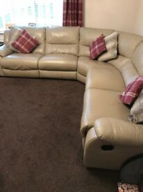 Leather Corner Suite With End Recliners