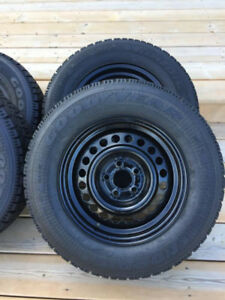 Almost NEW Goodyear nordic Winter tires - 195/70/14