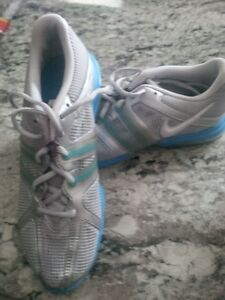 Nike Running Shoes sz 9 1/2