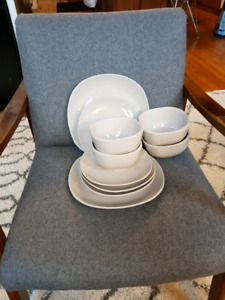 Dinnerware set - Grey