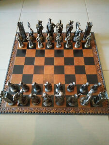 Lorenzini Chessmen & Marcello Chess Board/Box from Italy