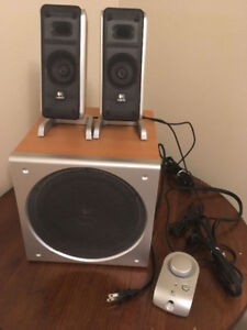 Logitech Z3 Computer Speakers with Subwoofer