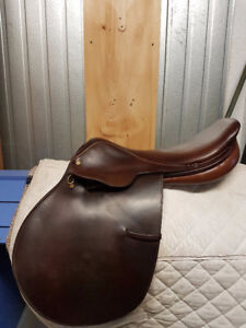 """18"""" Crosby Olympic Works Close Contact Saddle"""