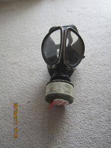 Willie E.Coyote Vintage ACME gas mask