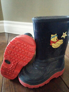 Toddler size 7 rubber boots