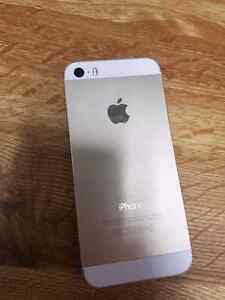 Gold iphone 5s   8/10 condition Kitchener / Waterloo Kitchener Area image 3